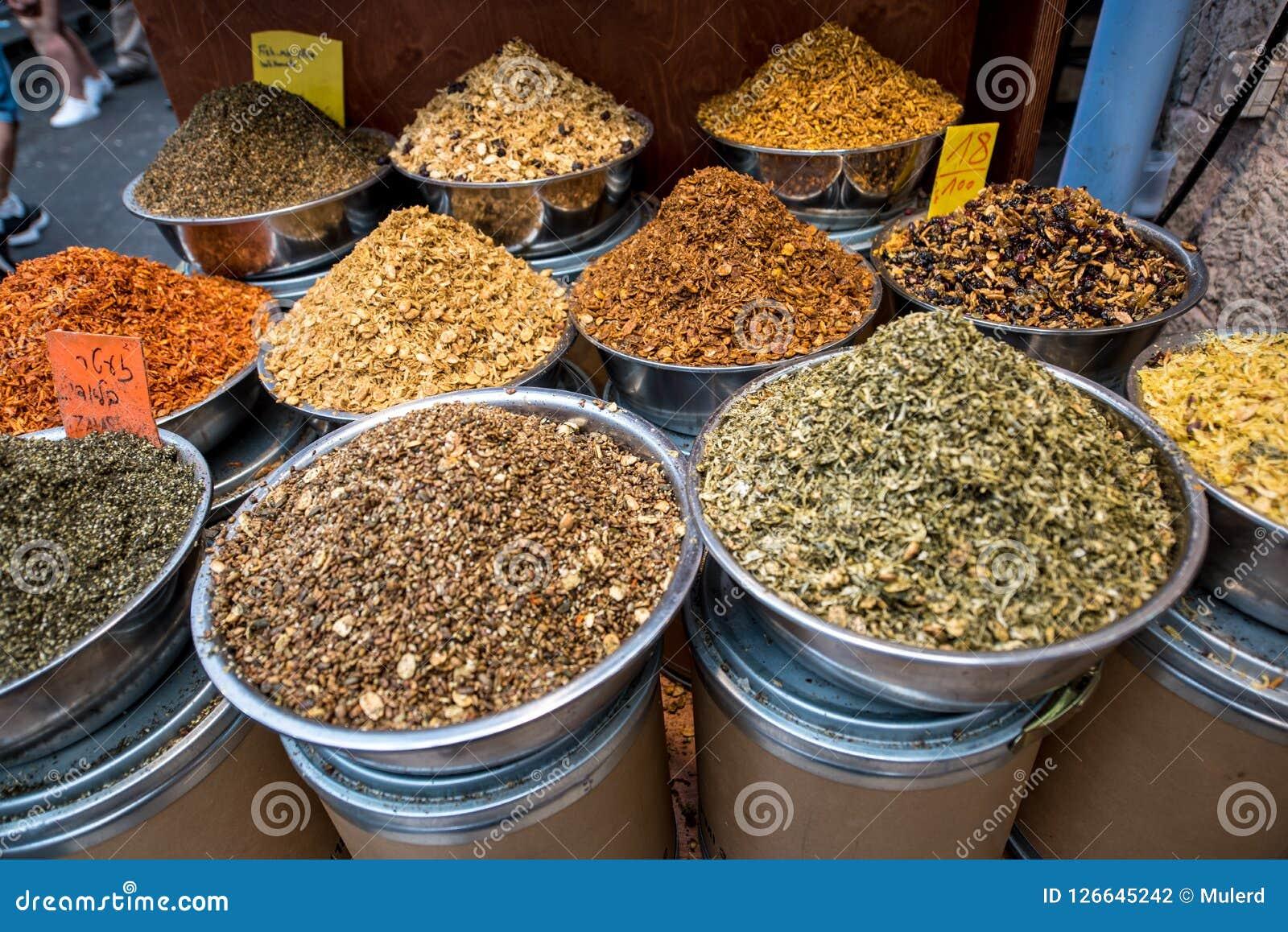 香料市场 香料的不同的类型 图库摄影