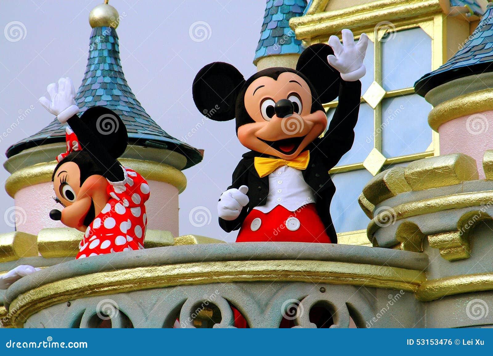 香港,中国:在迪斯尼乐园的Mickey和追击炮
