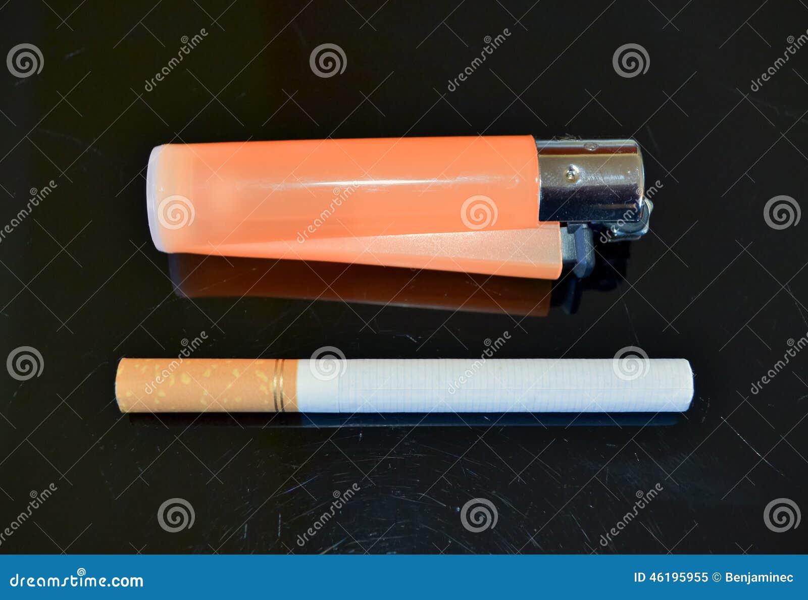 着打火机和烟的头像_香烟和打火机