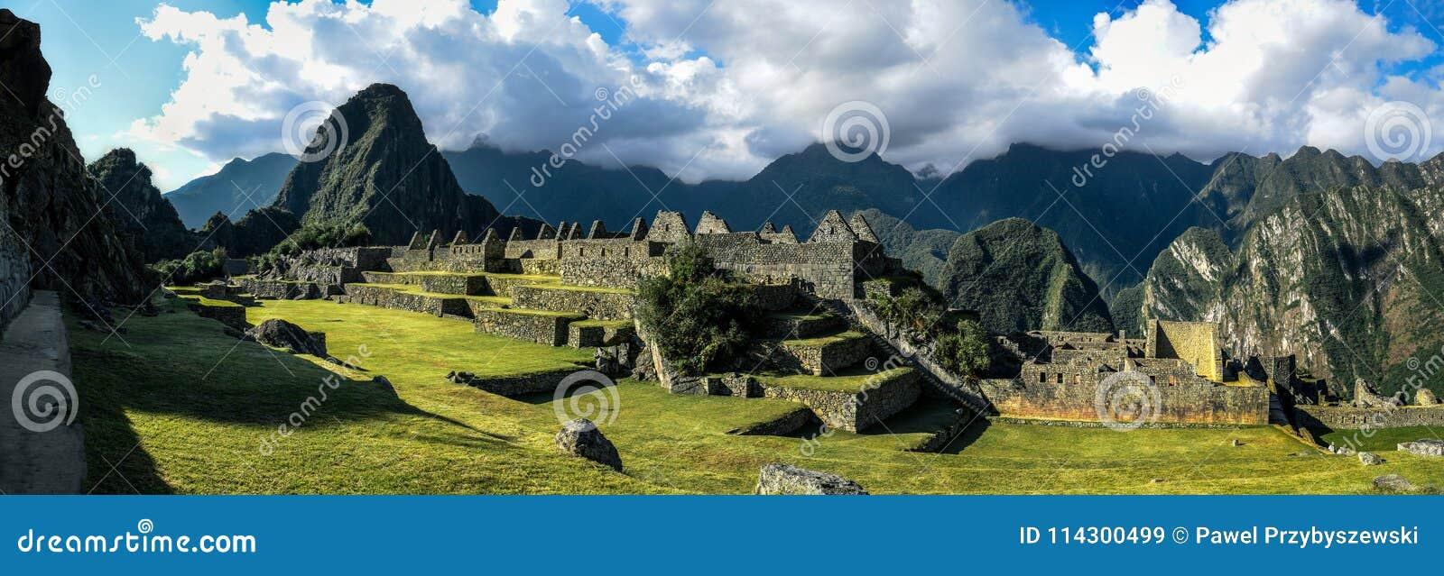 马丘比丘秘鲁-在山的全景