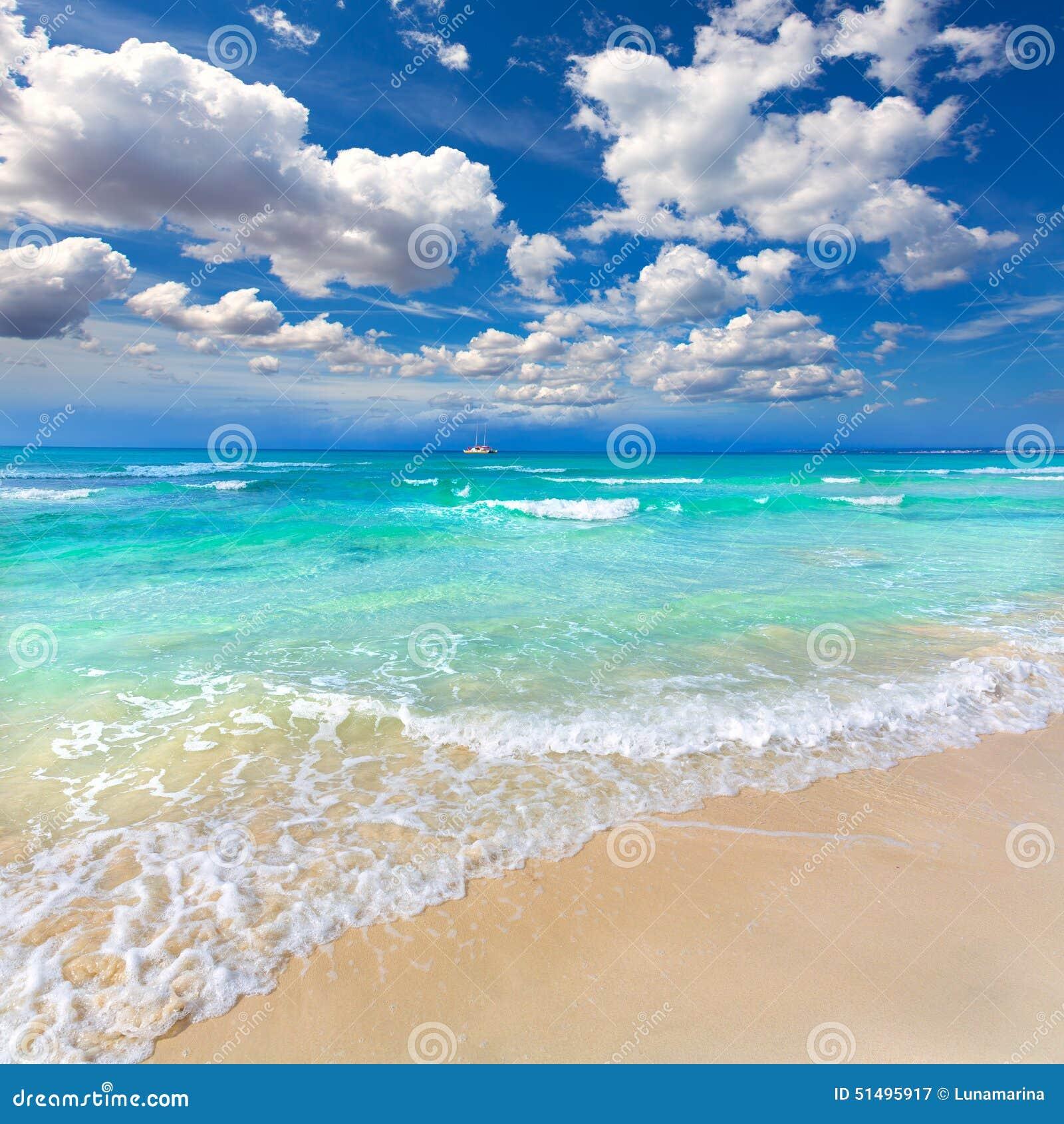 马略卡ES Trenc ses芳香烃在拜雷阿尔斯靠岸