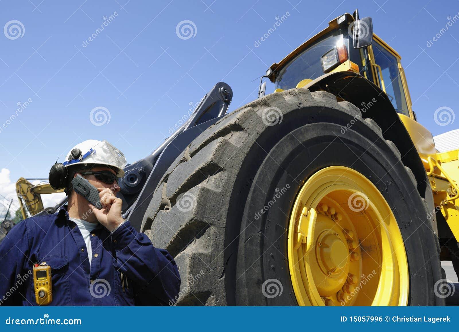 驱动器铲车