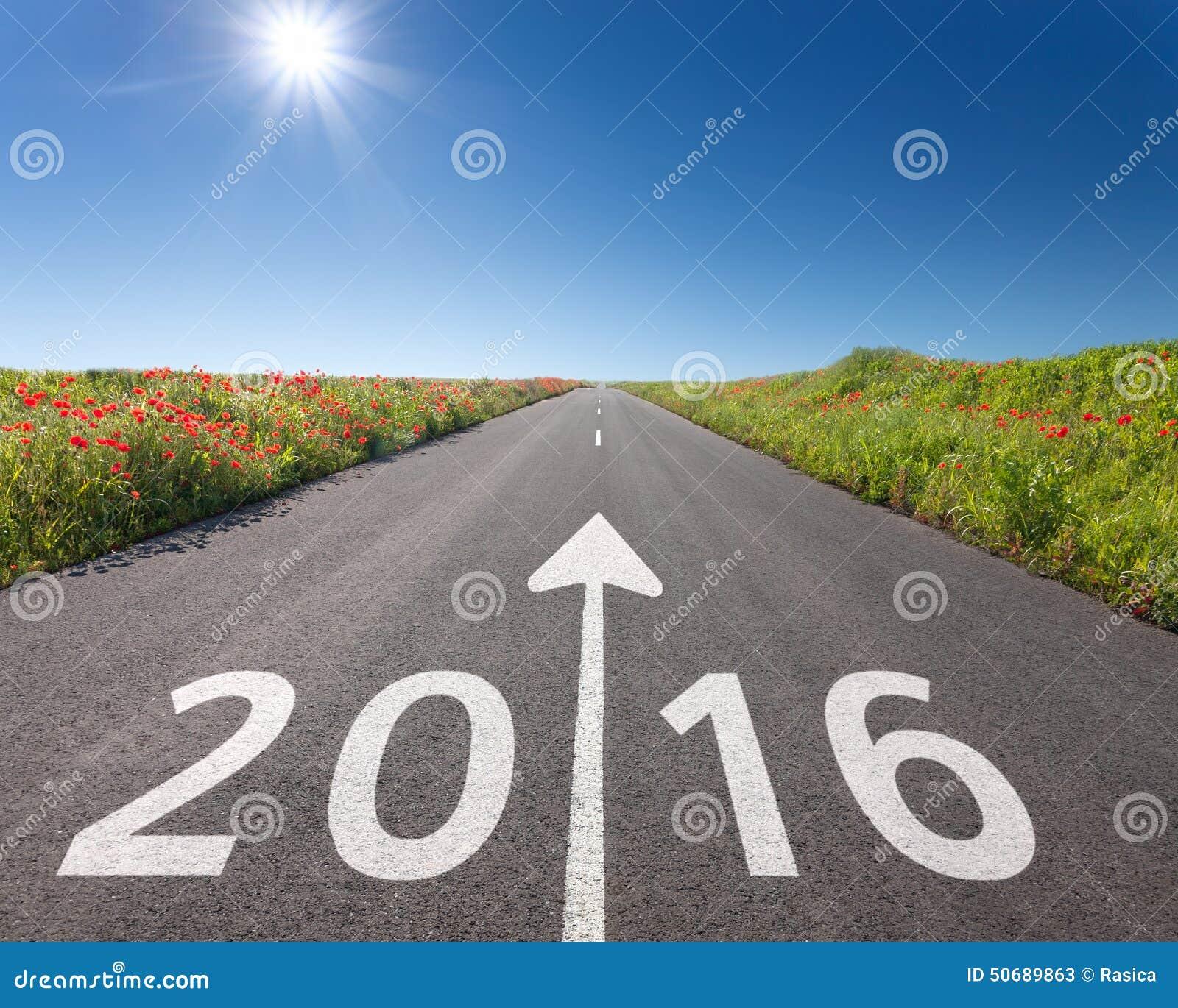 Download 驾驶在空的路往新2016年 库存图片. 图片 包括有 直接, 本质, 光束, 符号, 开放, 希望, 远期 - 50689863