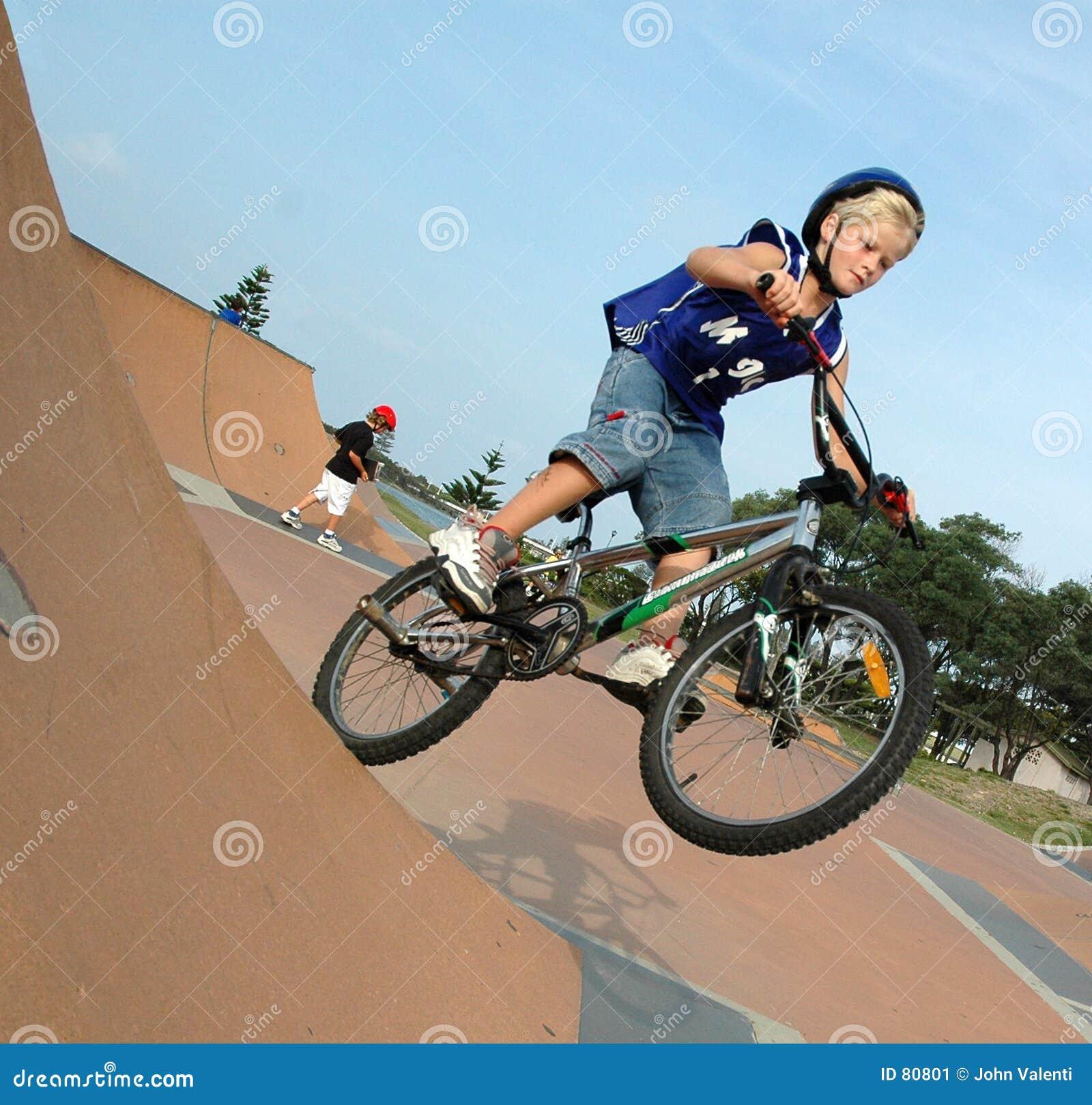骑自行车的人bmx