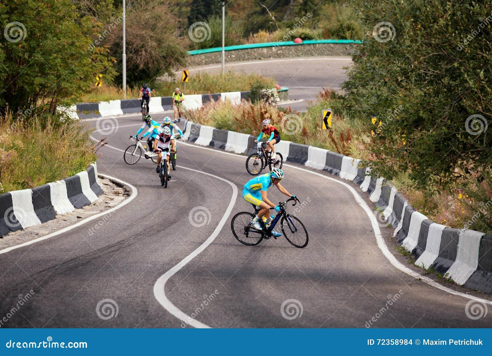 骑自行车的艰难竞争