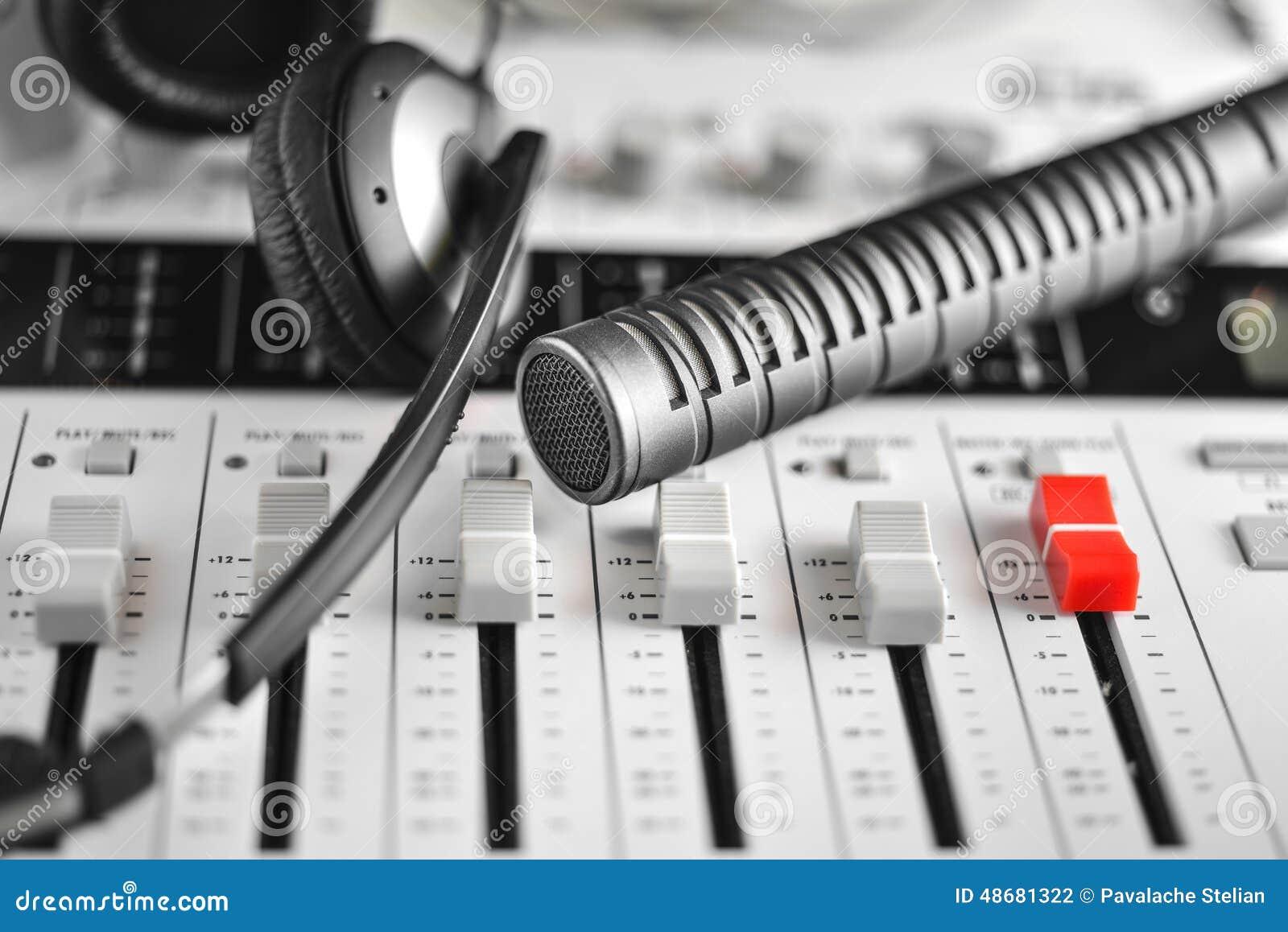 高保真电容传声器、耳机和合理记录员