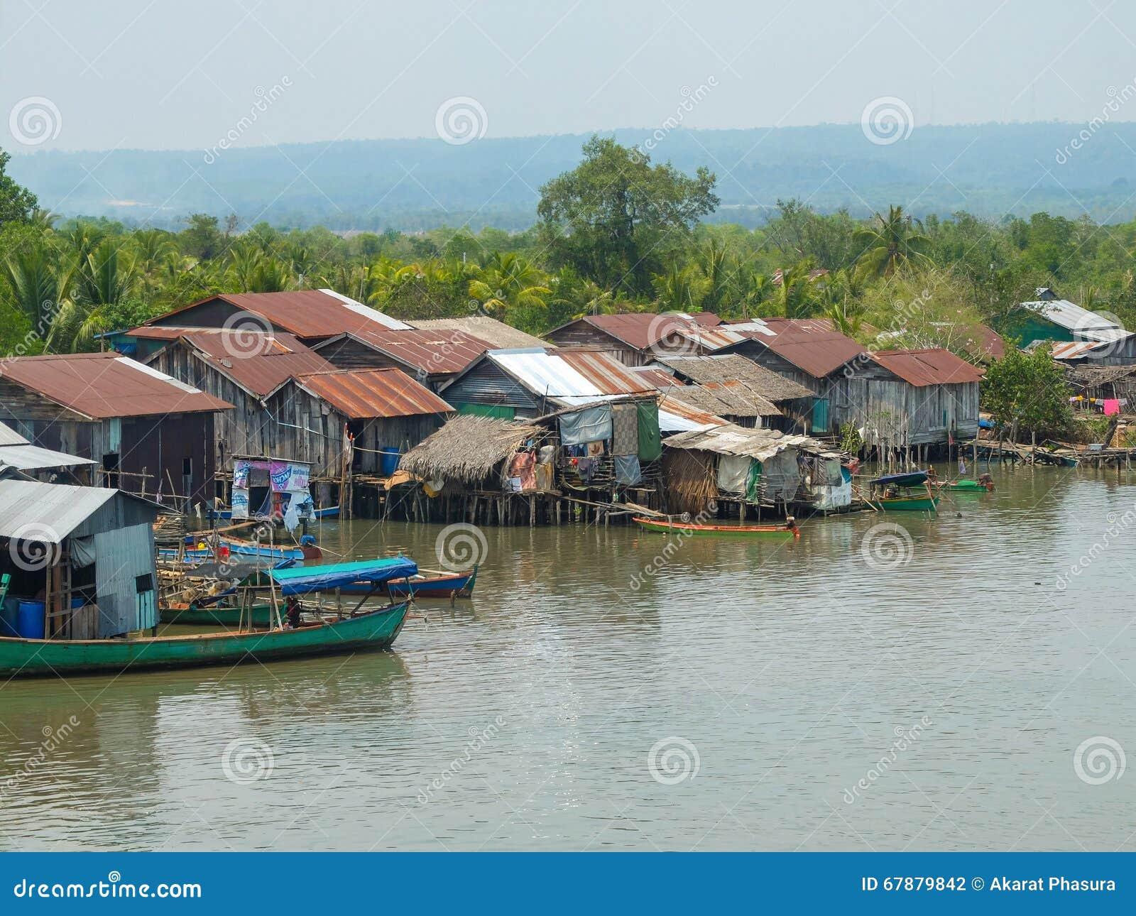 高棉河村庄