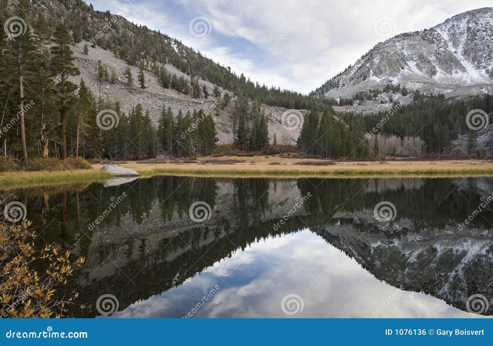高湖山风景山脉