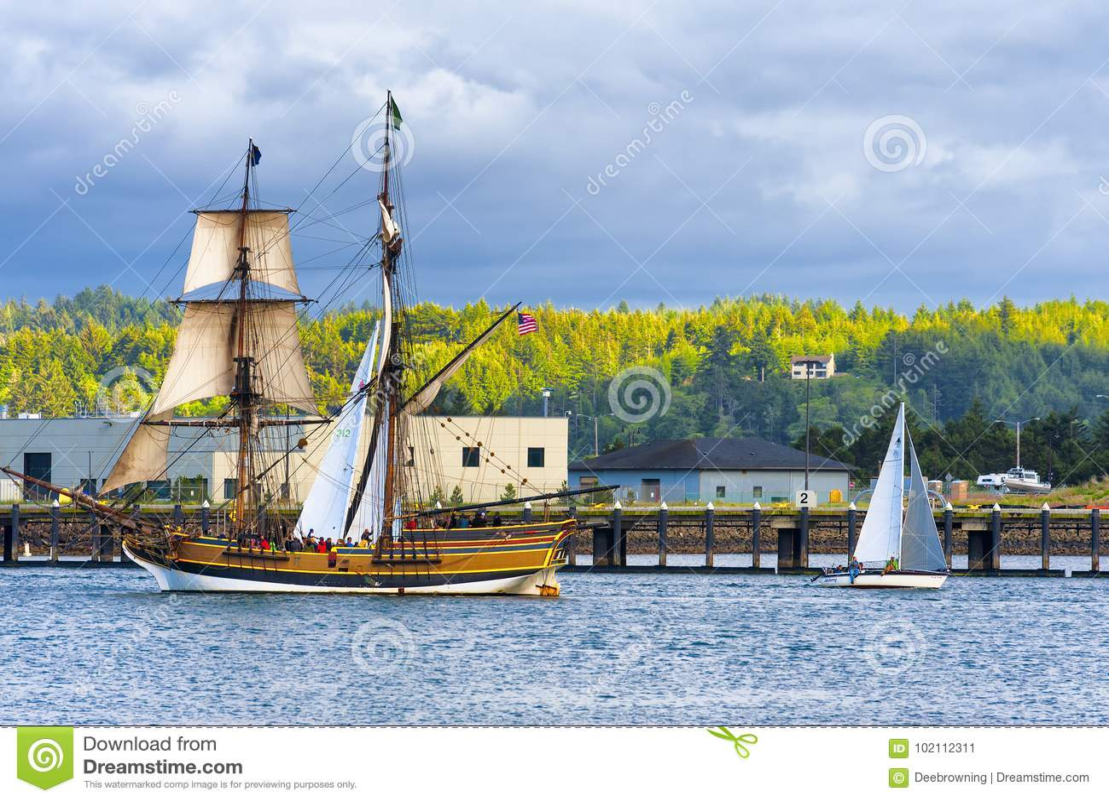 高船夫人华盛顿在纽波特,俄勒冈