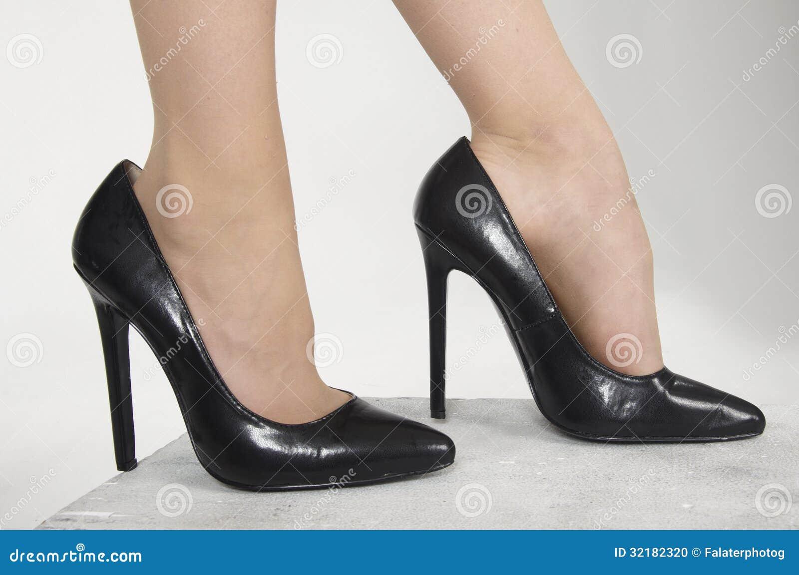 靴子高跟鞋跟图片_高跟鞋鞋子 库存照片 - 图片: 32182320