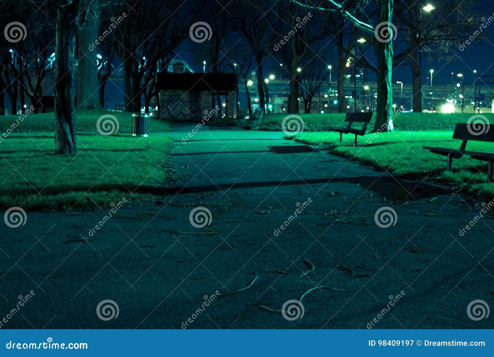 鬼的公园在晚上