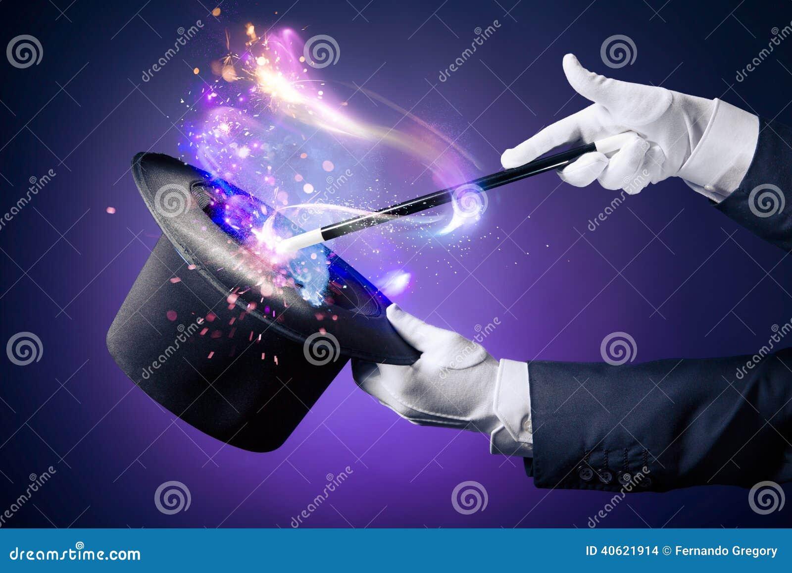 魔术师手的大反差图象有不可思议的鞭子的