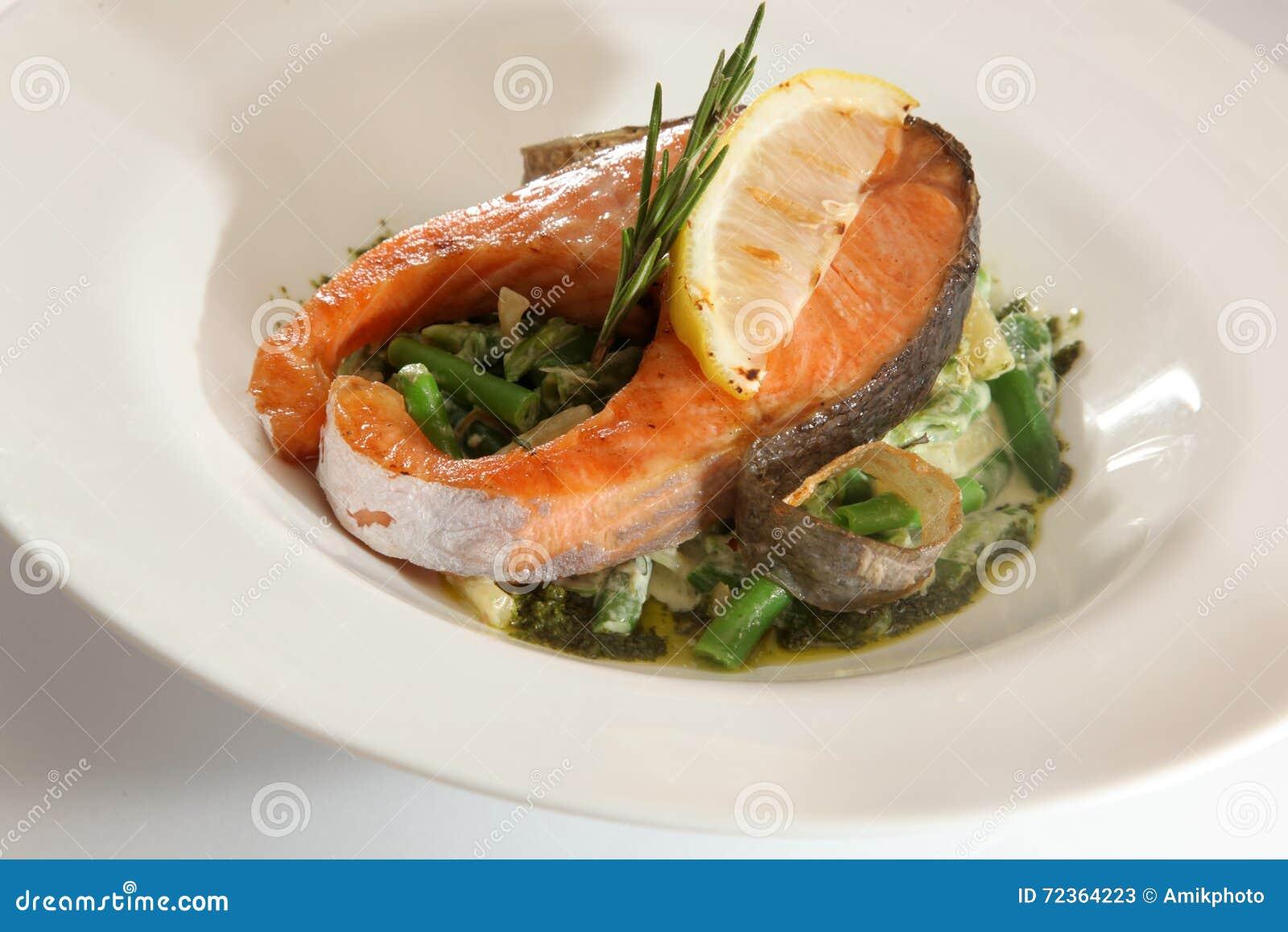 鲑鱼排用小汤
