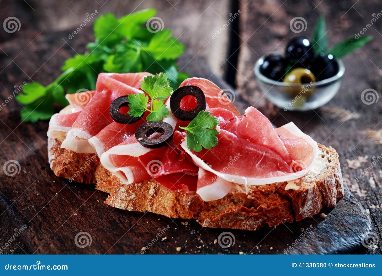 鲜美schinken,或者德语治疗了火腿,三明治