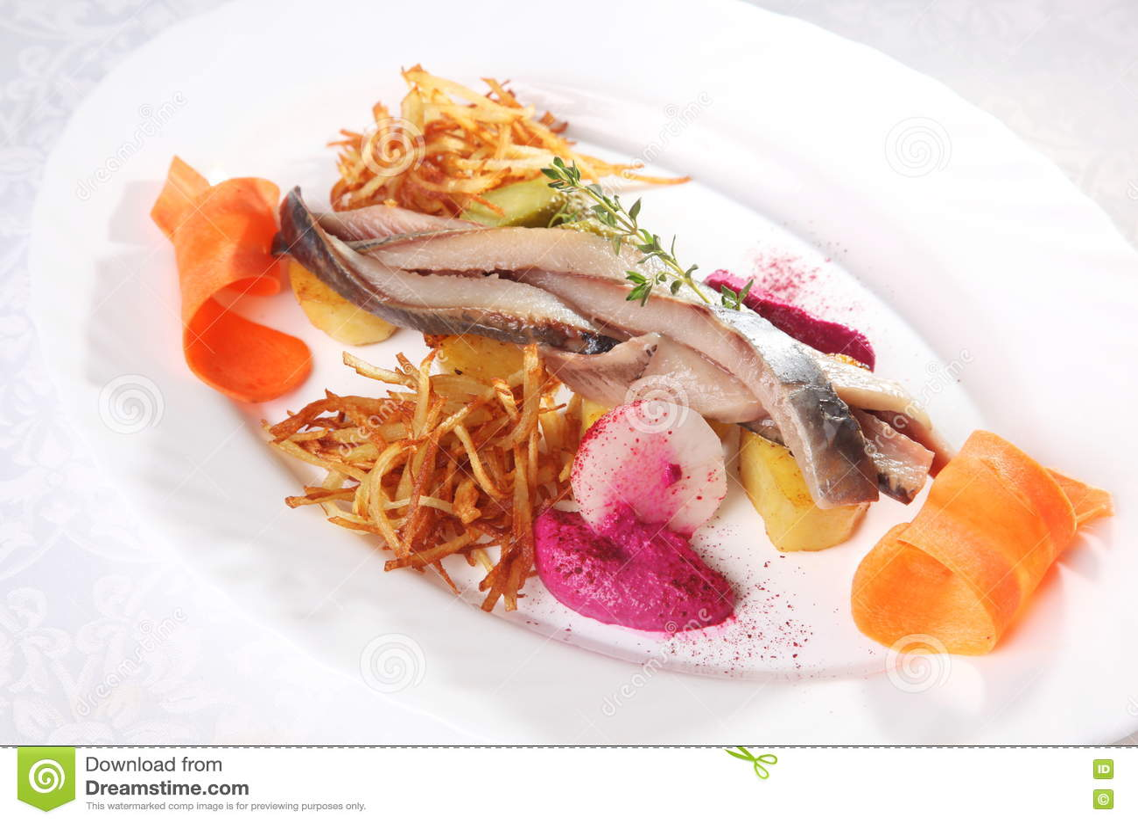 鲱鱼用土豆和葱