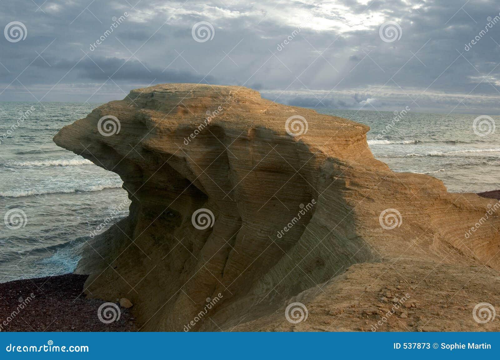 Download 鸟岩石 库存图片. 图片 包括有 火山作用, 石头, 海洋, 火箭筒, 表单, 侵蚀, 横向, 双翼飞机, 旅行 - 537873