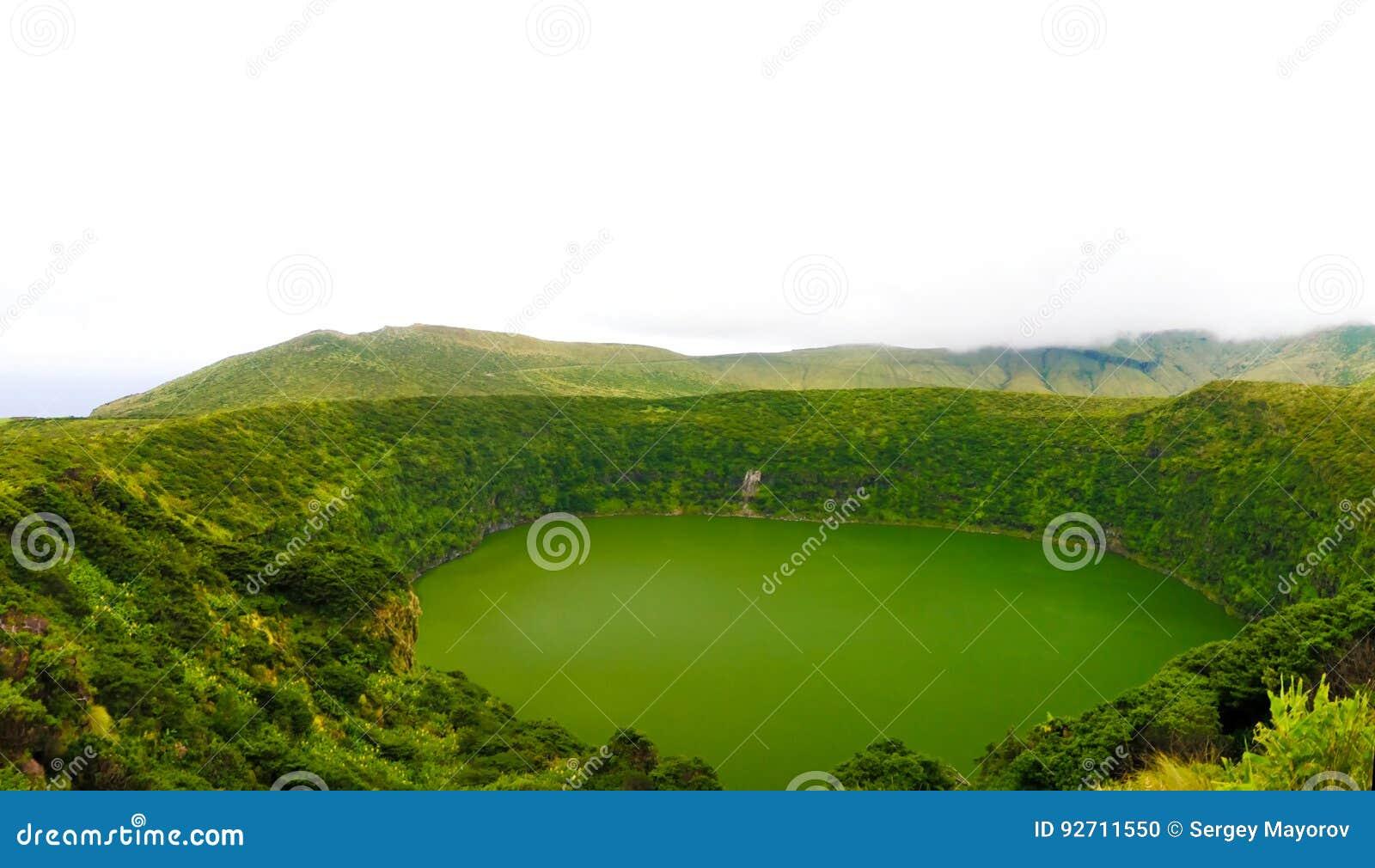 鸟瞰图向湖内格拉,弗洛勒斯海岛,亚速尔群岛 葡萄牙