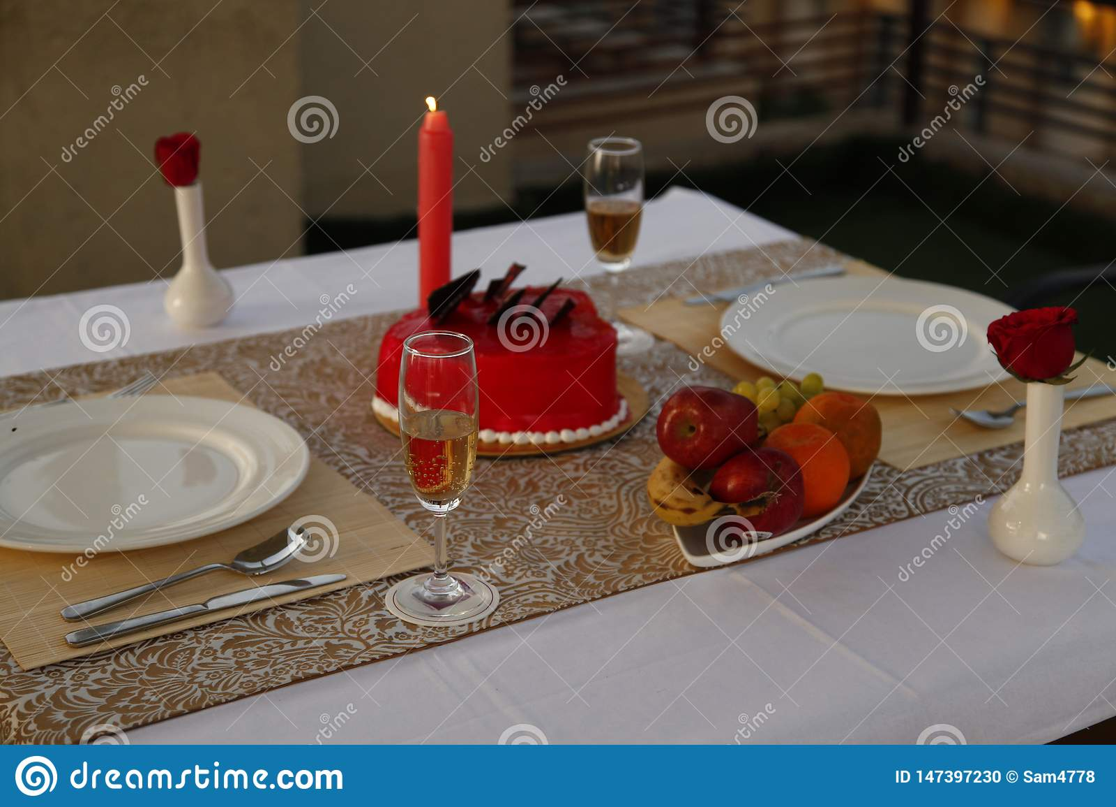 鸡尾酒,夏天冷饮,浪漫蜡烛光晚餐设定