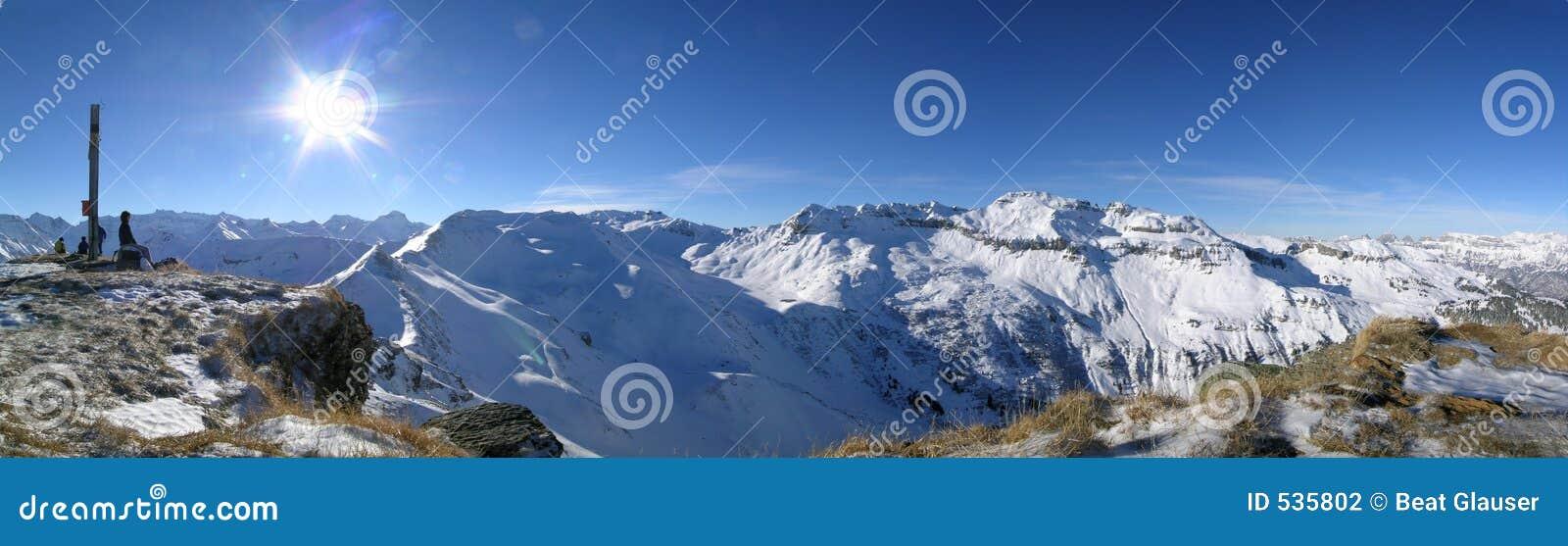 Download 鸡题头挂接 库存照片. 图片 包括有 雪板, 蓝色, 下坡, 修改, 滑雪, 打鼾的, 晒裂, 粉末, 天空 - 535802