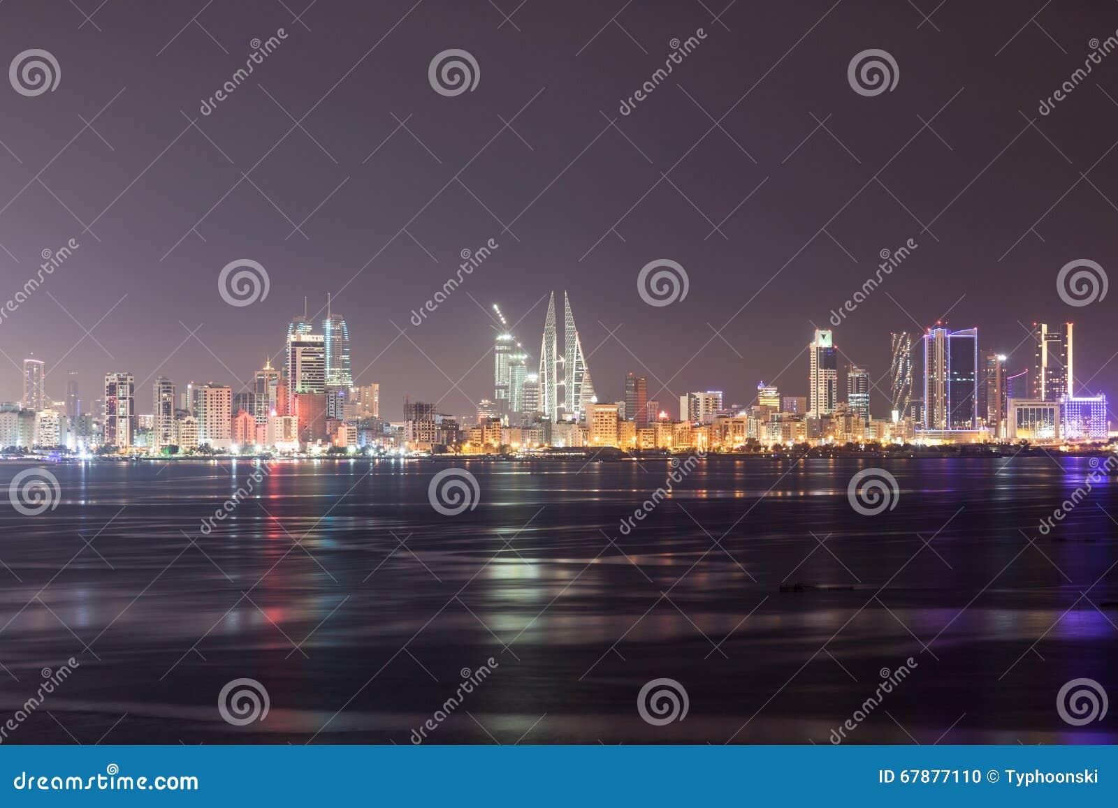 麦纳麦在晚上,巴林地平线