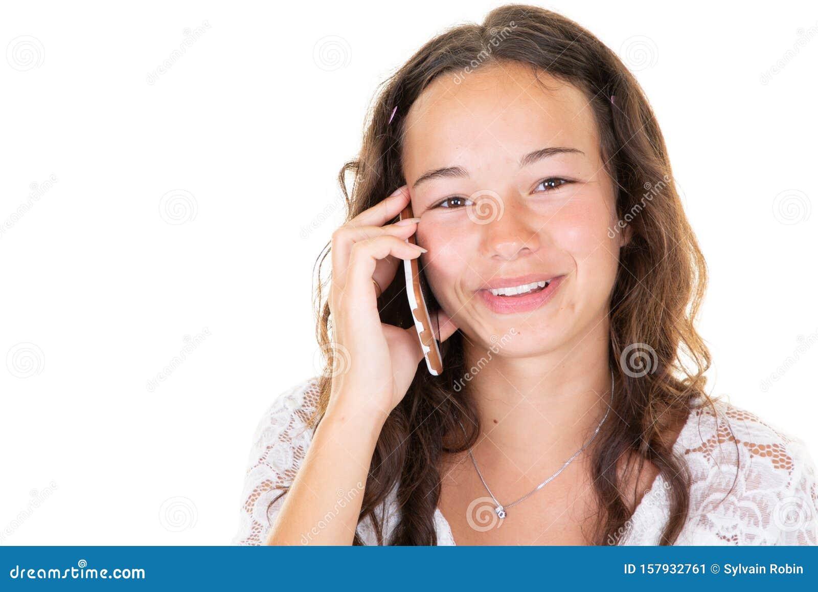 黑发美女的画像让白色背景少女的年轻女子在电话中惊讶不已库存图片 图片包括有黑发美女的画像让白色背景少女的年轻女子在电话中惊讶不已 157932761