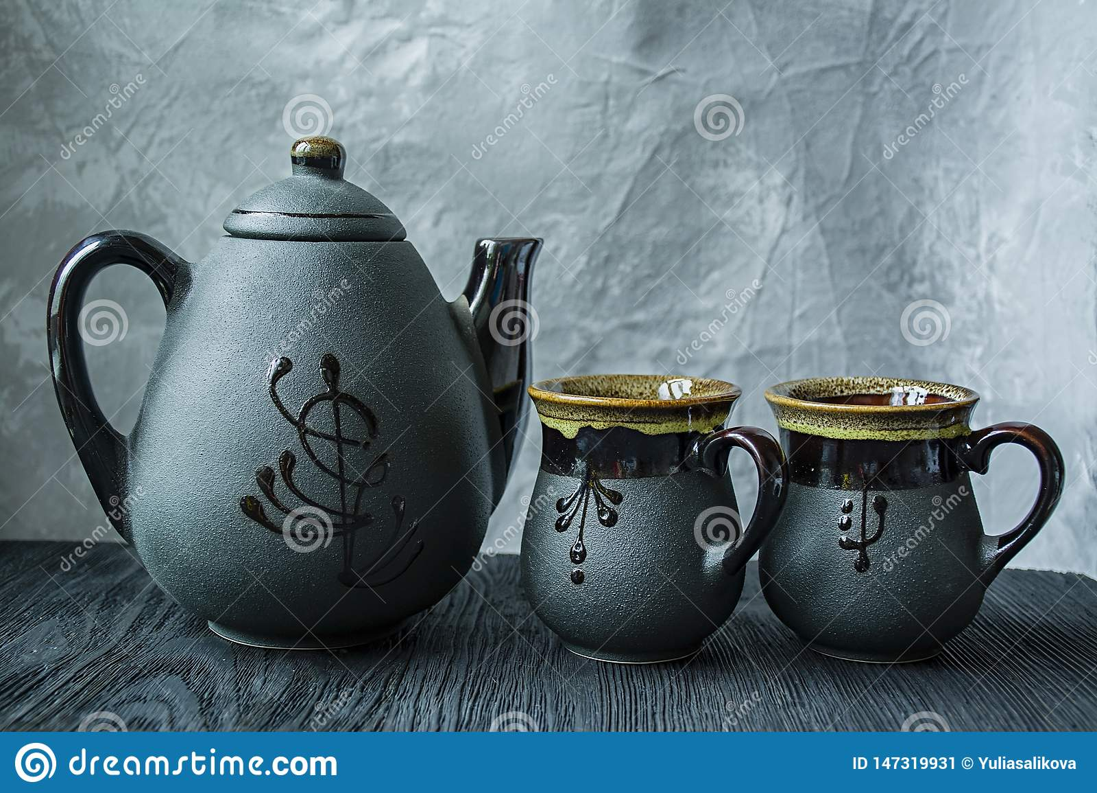 黑暗的茶具 亚洲样式 r