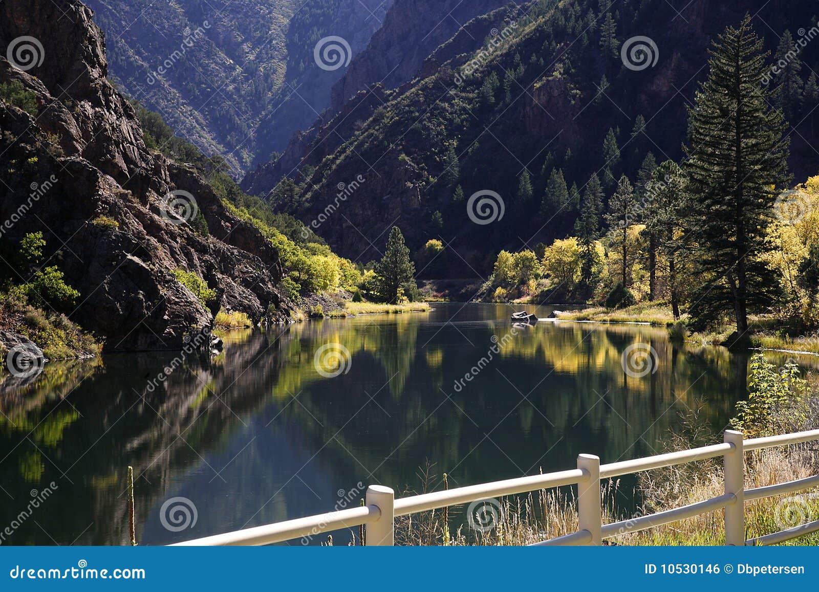 黑色峡谷gunnison
