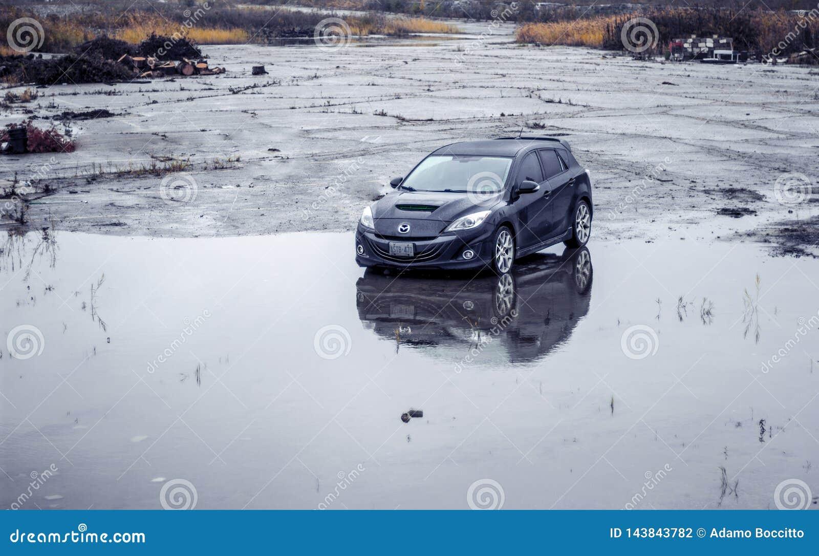 黑2010个Mazdaspeed3 n每被放弃的湿停车场