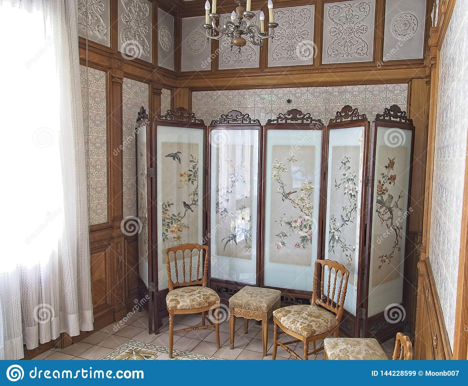 齐奥塞斯库宫殿更衣室
