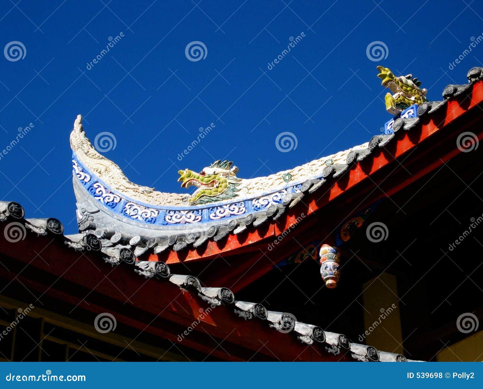 Download 龙寺庙 库存照片. 图片 包括有 道教, 寺庙, 的btu, 瓦片, 发芽, 道士, 马赛克 - 539698