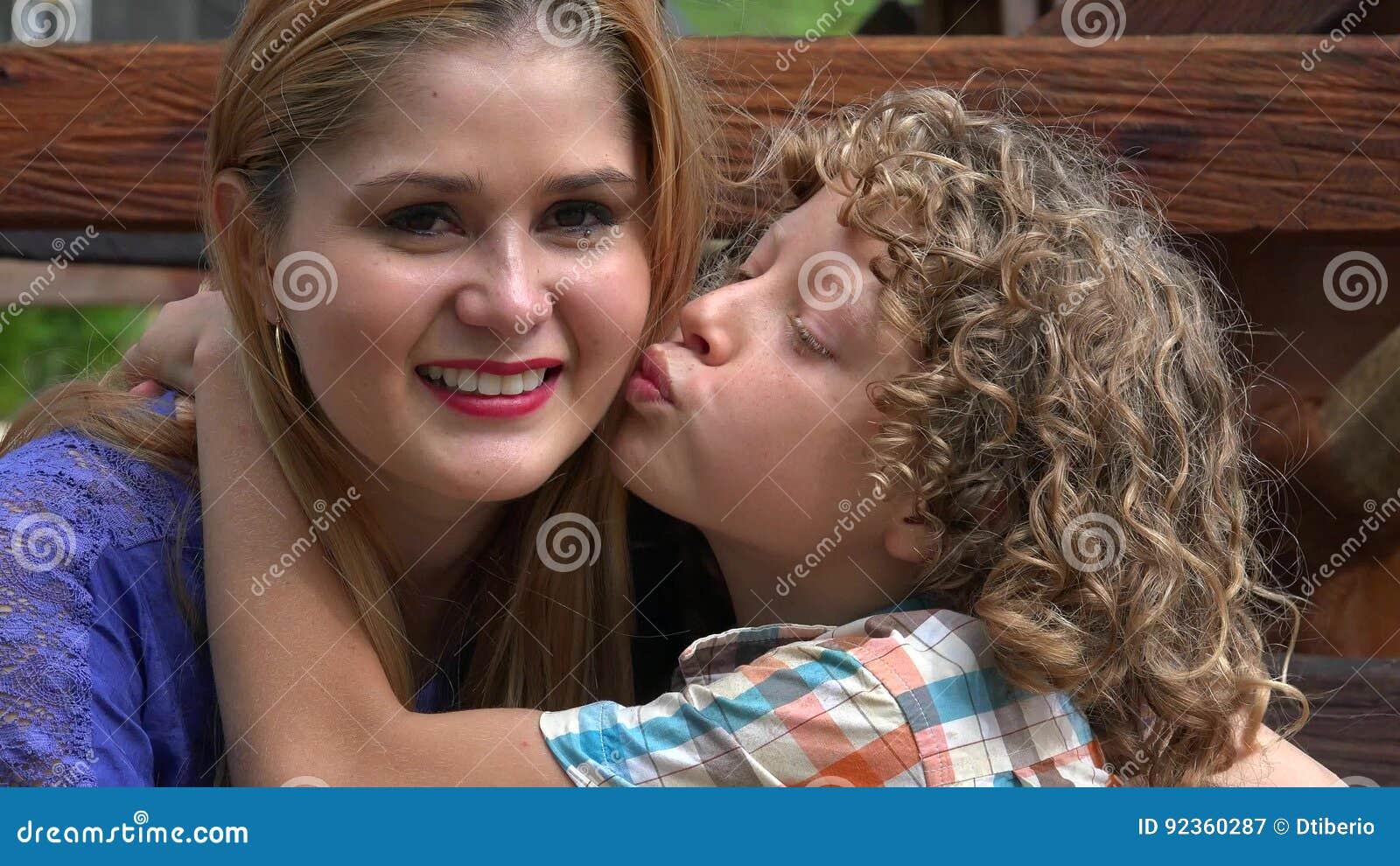 Сестра попросила брата научить ее, Сестра заставила своего брата заняться с ней сексом 23 фотография