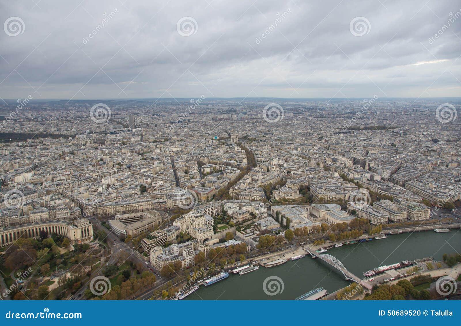 Download 巴黎,城市的看法 库存照片. 图片 包括有 重要事件, 评估人, 巴黎, 秋天, 屋顶, 展望期, 全景 - 50689520