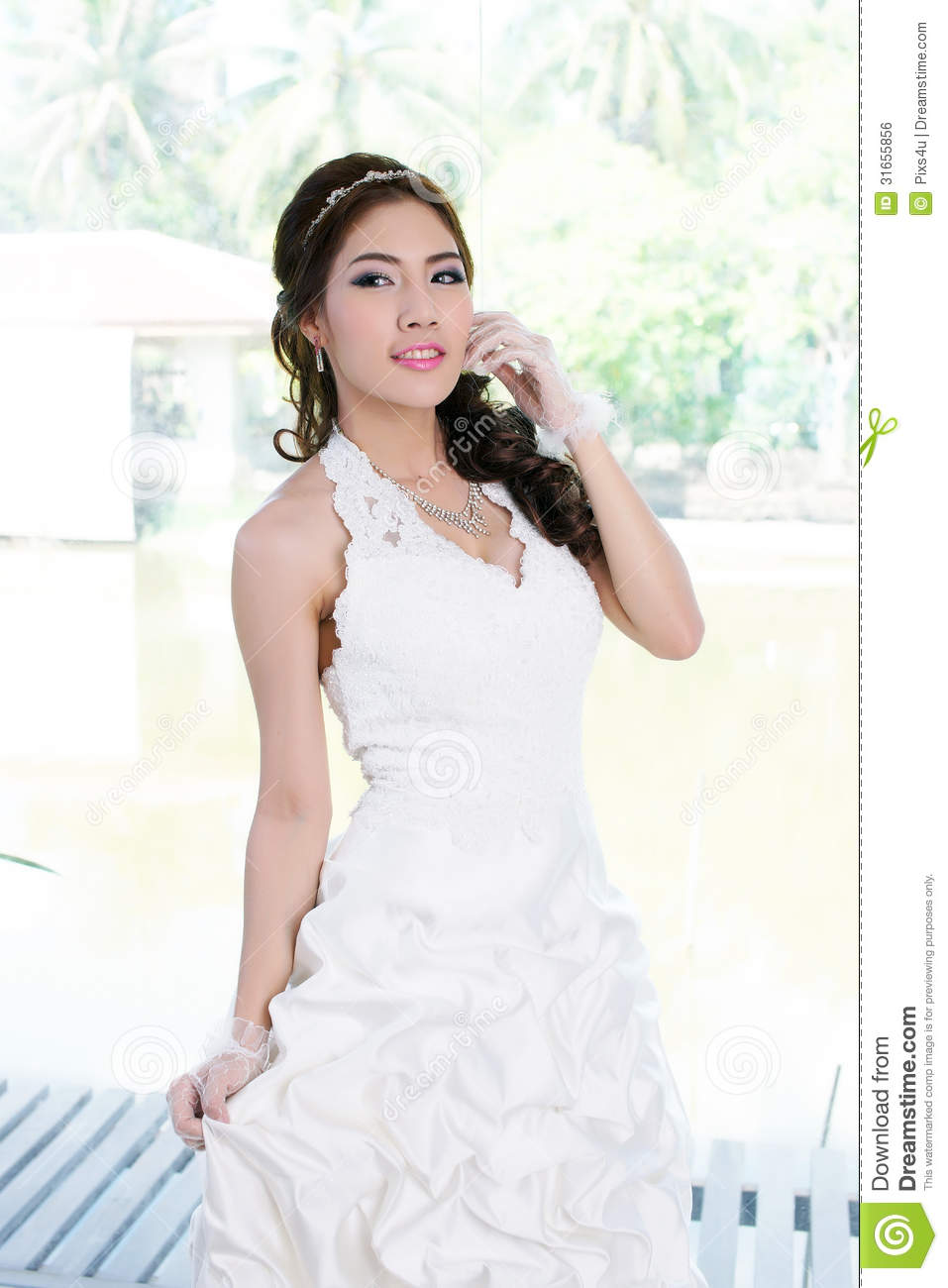Asian Lady Bride In 34