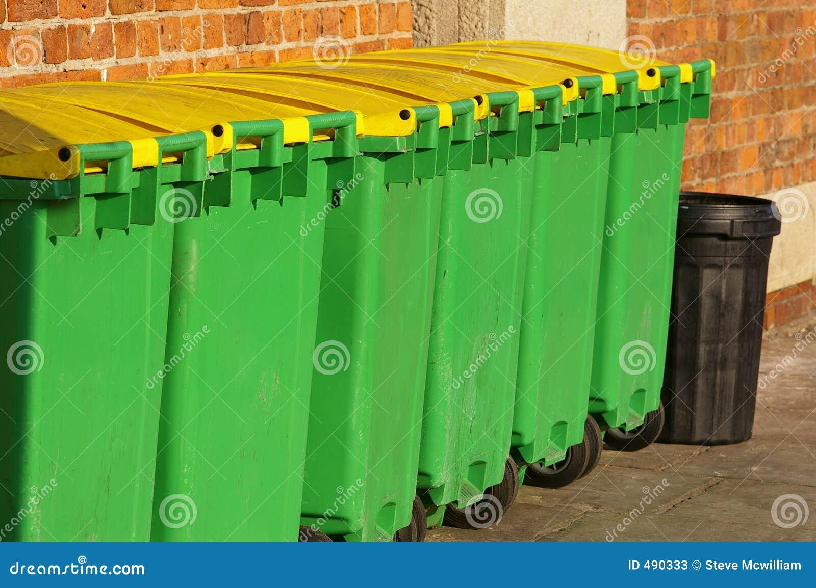 03 мусорной корзины