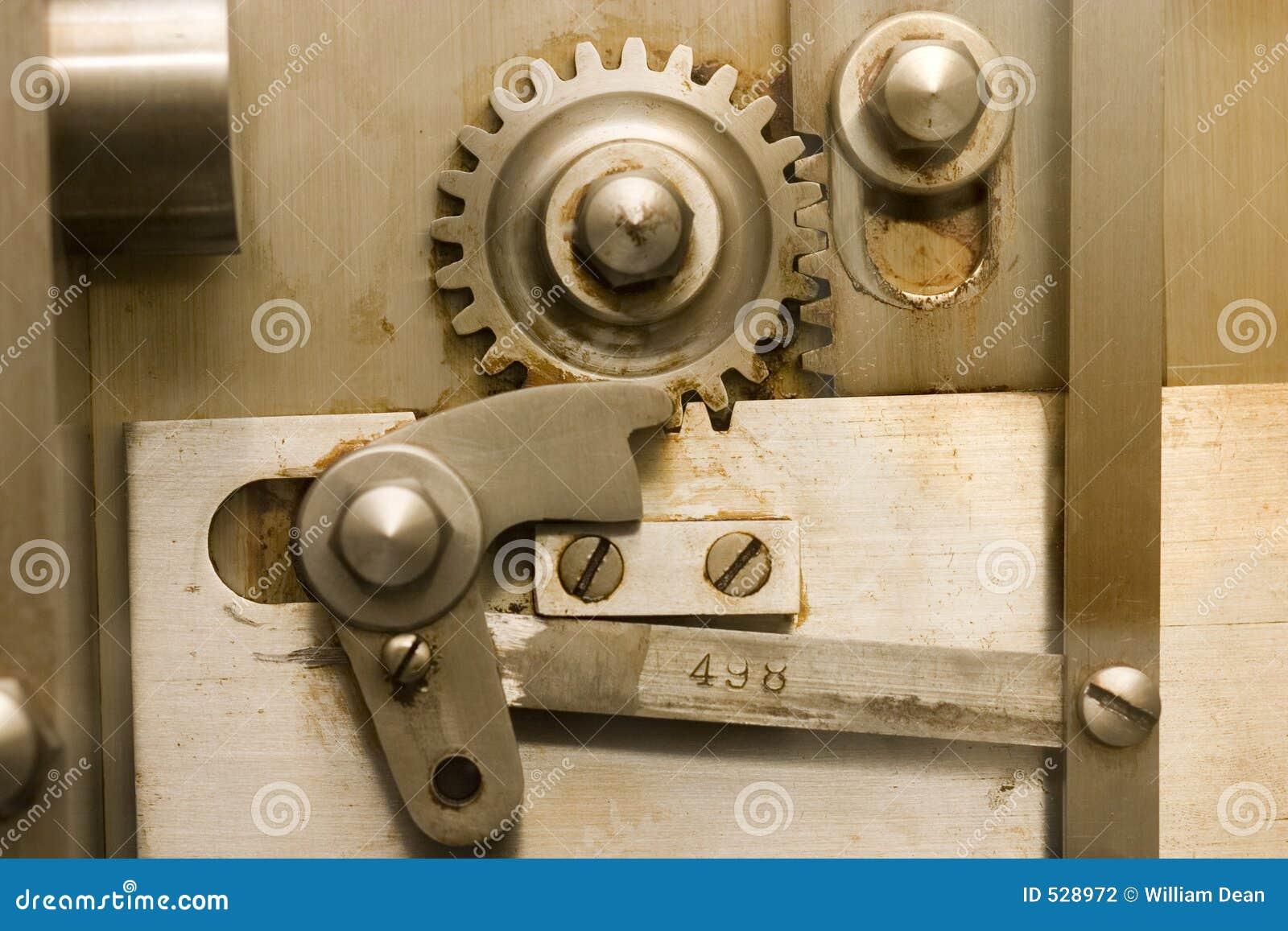 Download 1安全的齿轮 库存照片. 图片 包括有 安全, 嵌齿轮, 螺丝, 轮子, 金属, 行动, 设备, 结构, 纹理 - 528972