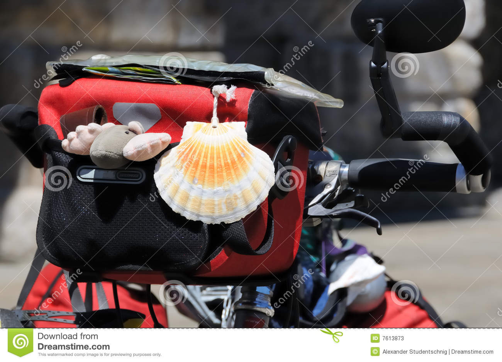 1辆自行车没有香客