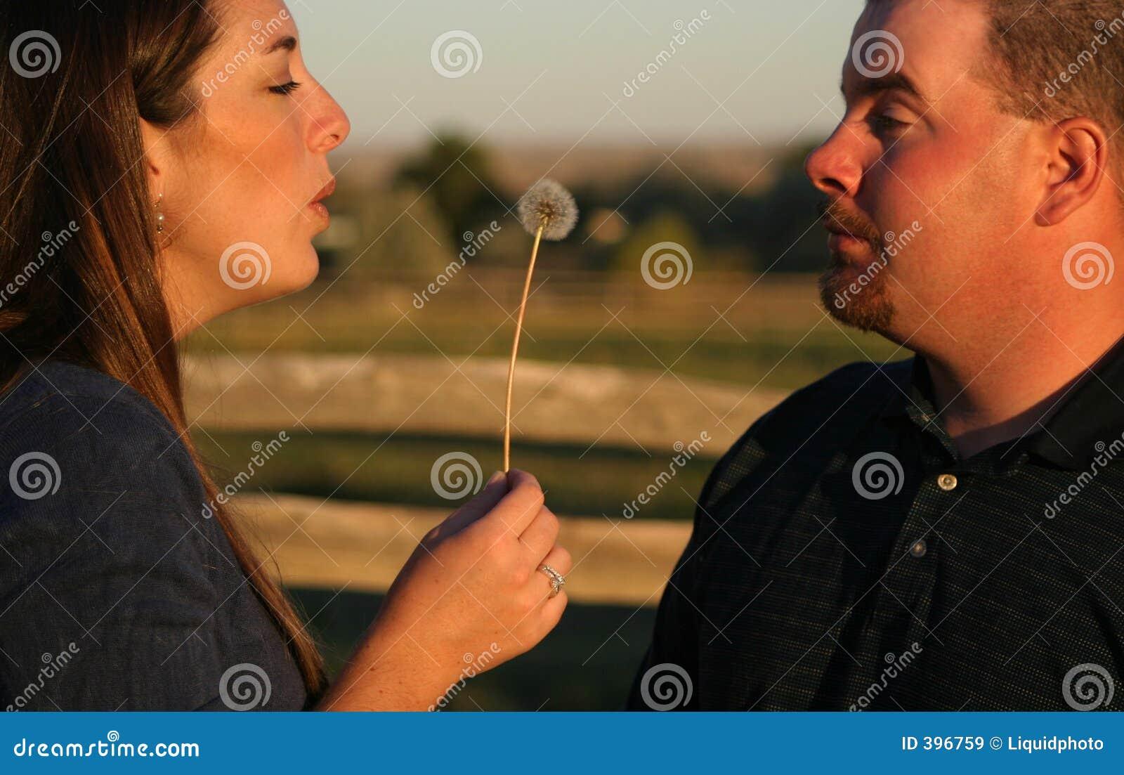 1 φυσώντας φιλιά ζευγών
