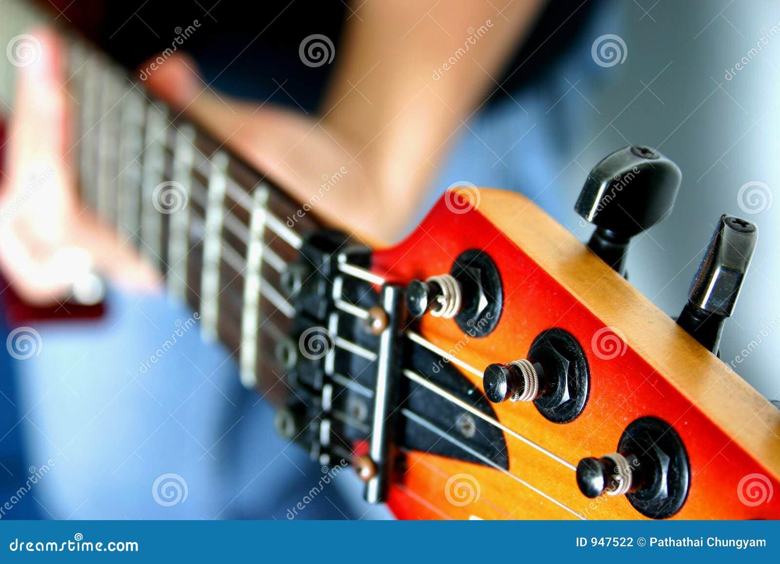 1 гитара