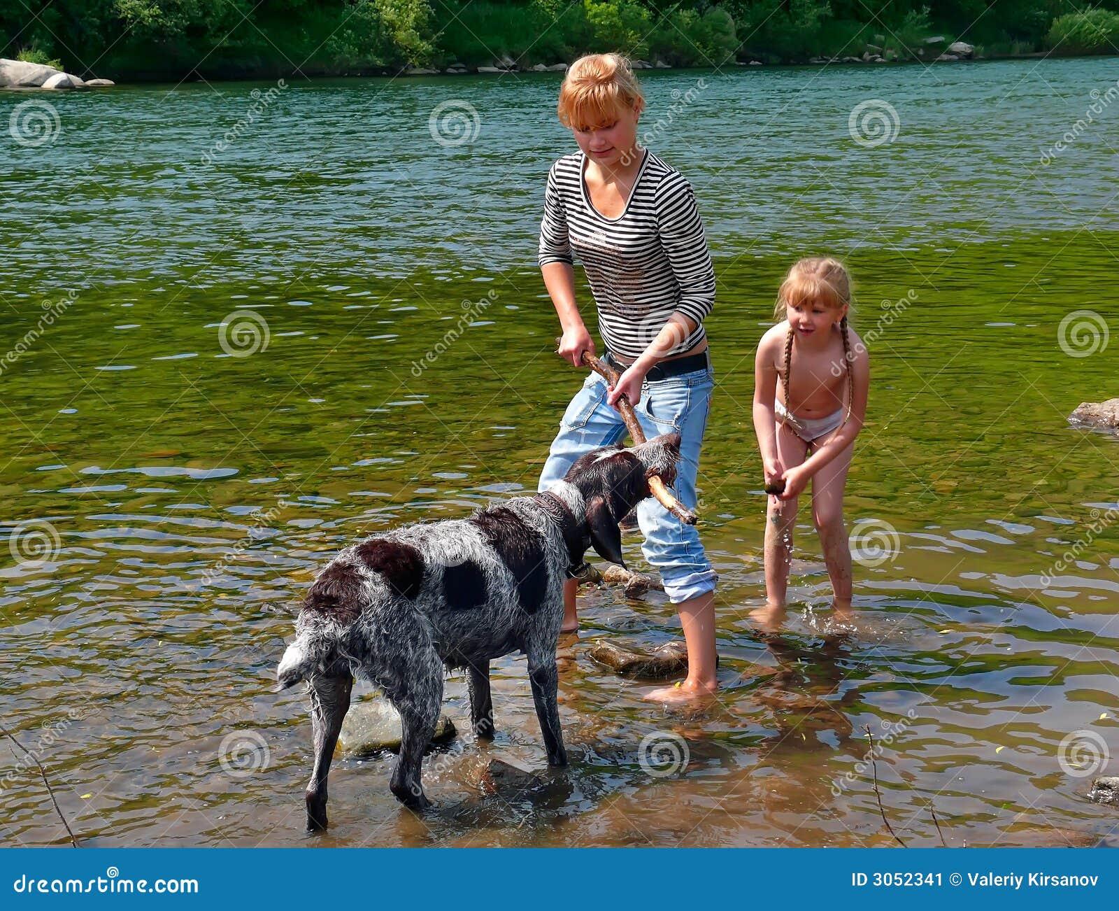 1 девушка собаки