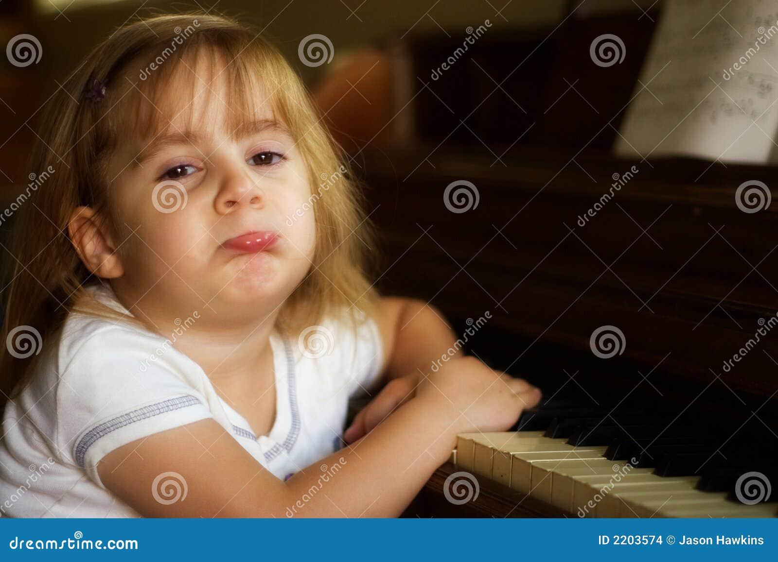 1 игрок рояля несчастный