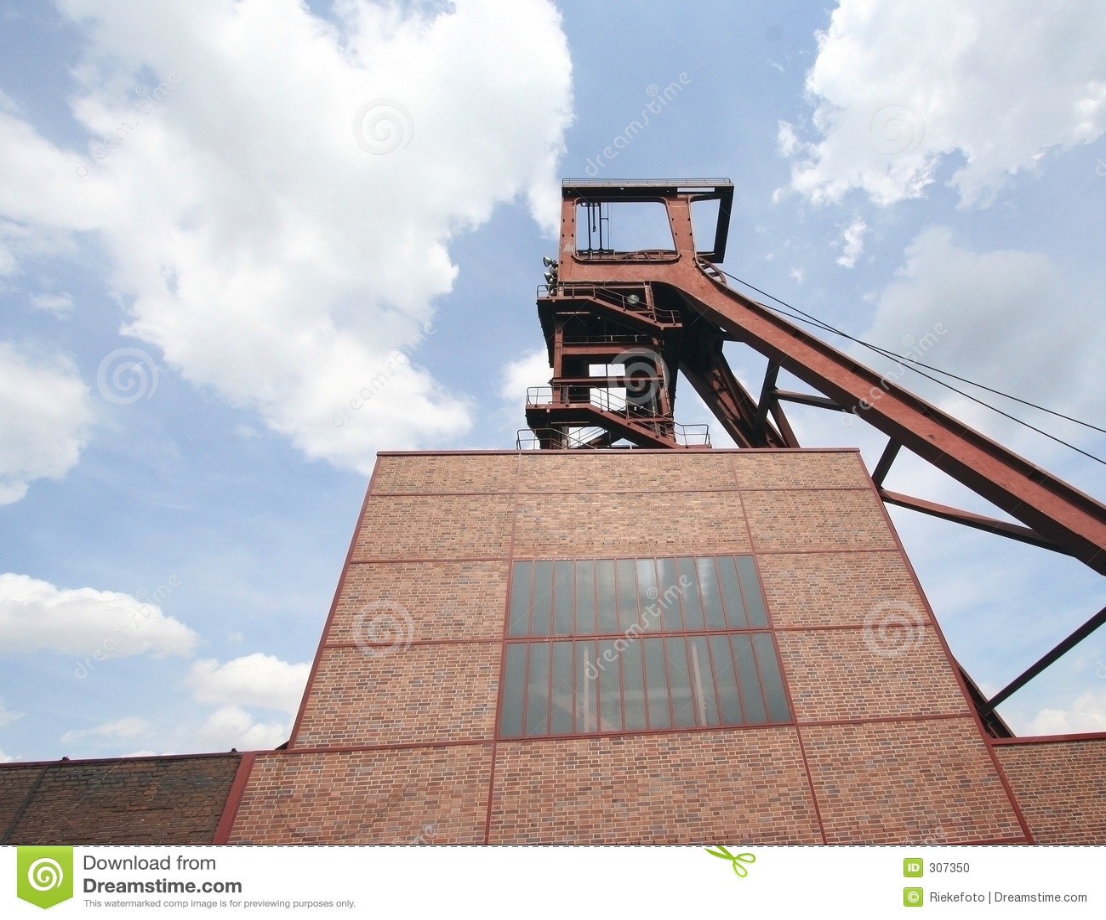 1 2 8 szybu kopalni zollverein