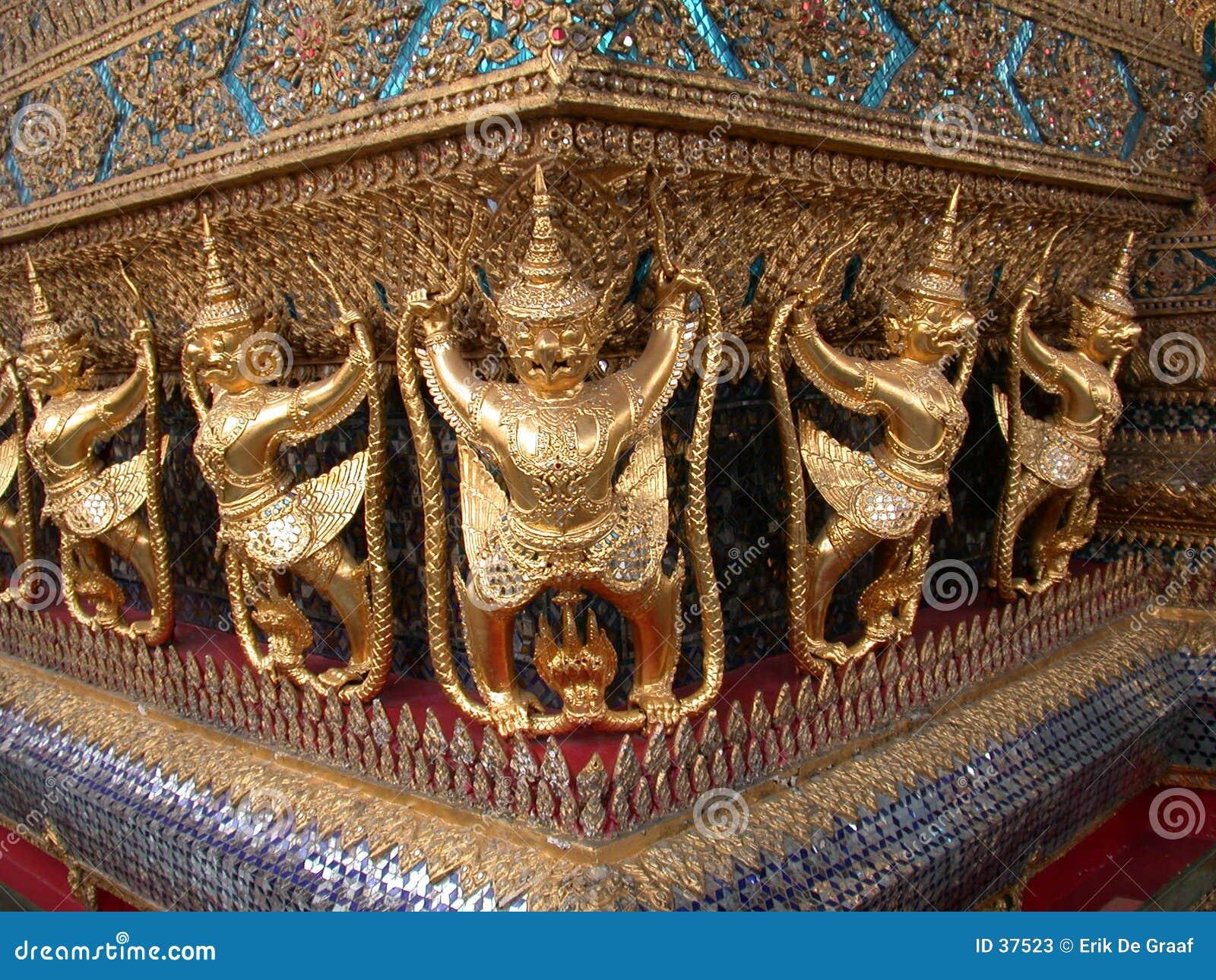 1个菩萨绿宝石寺庙