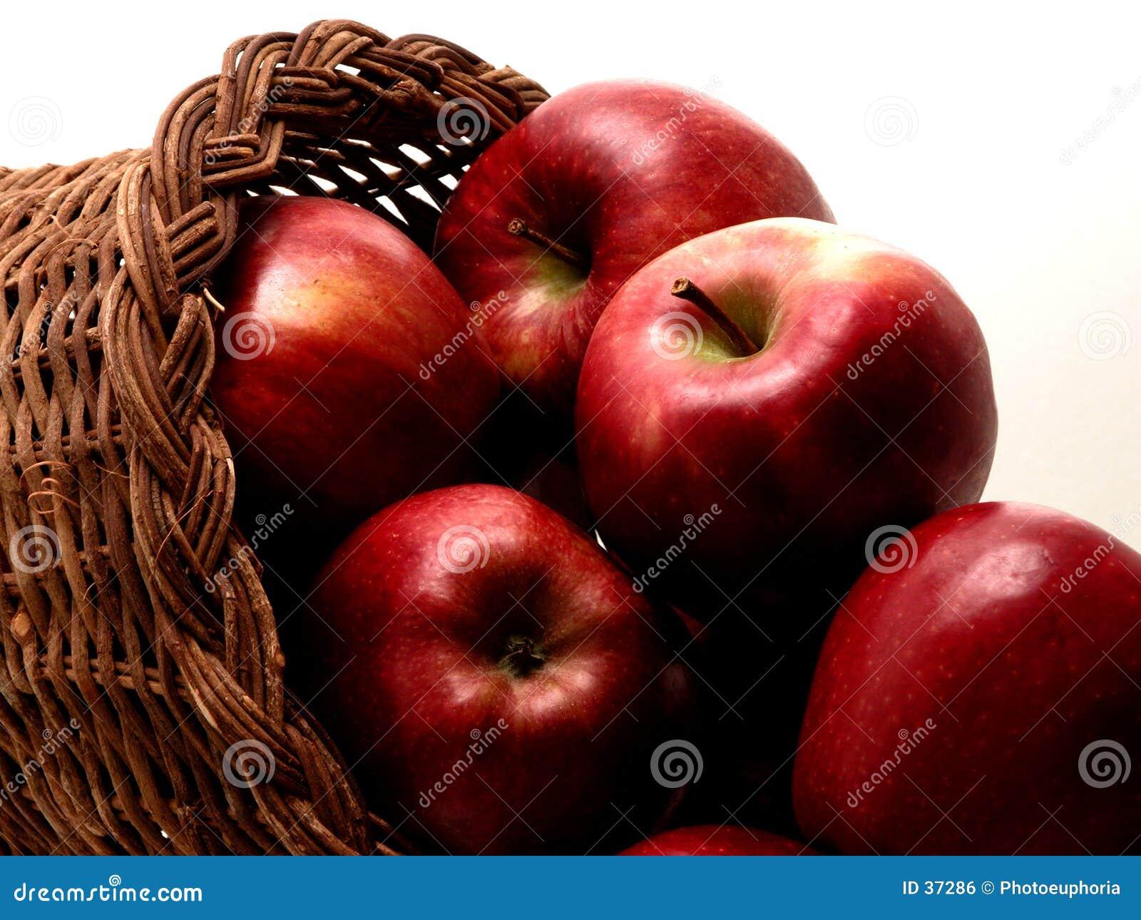 1 4个苹果篮子食物