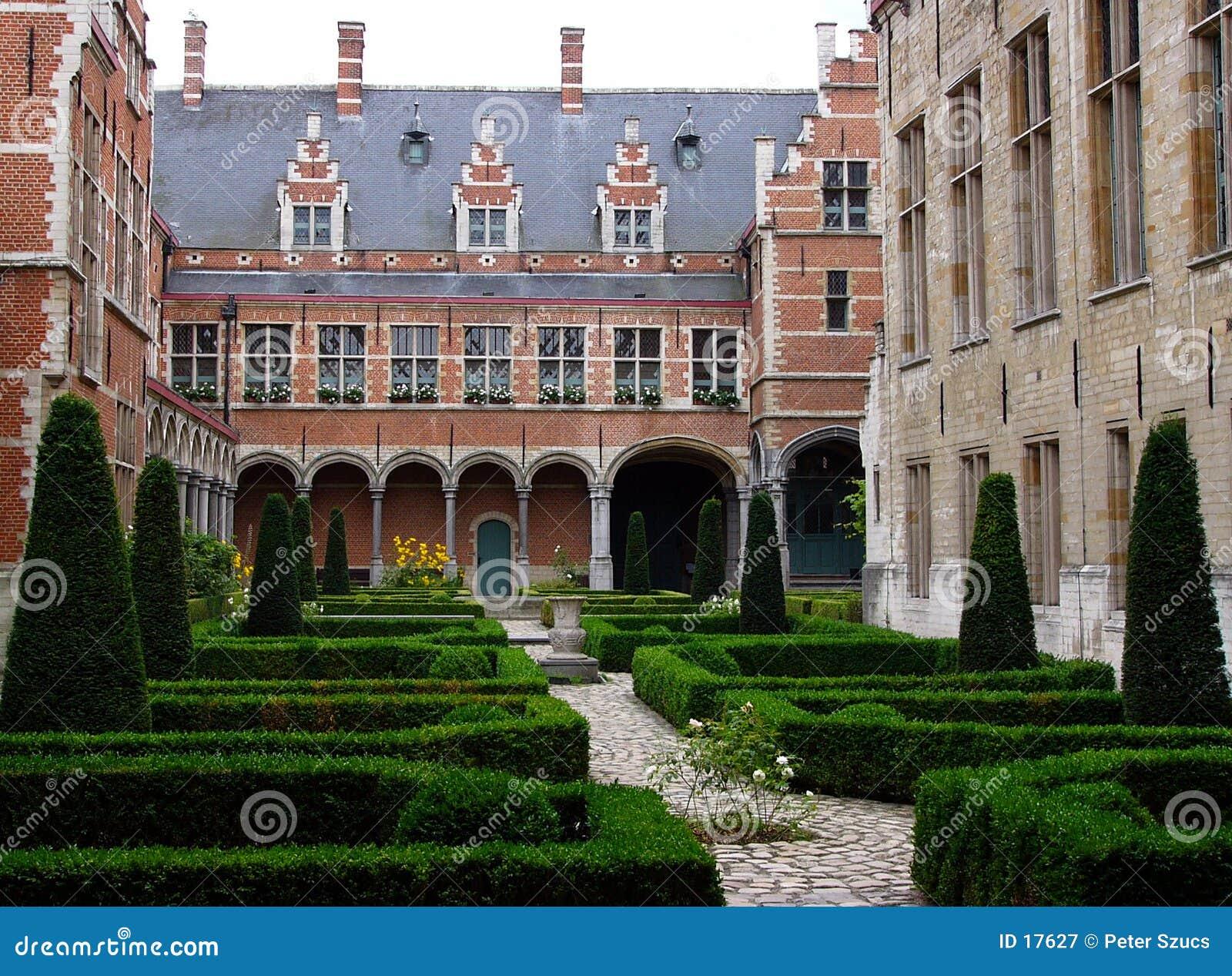 1 flemish podwórzowy