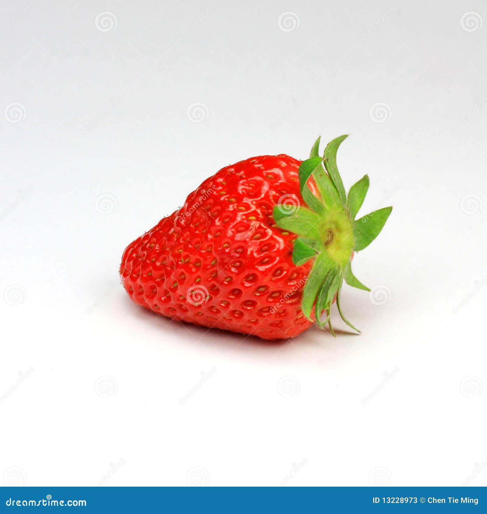 Que vitaminas y proteinas tiene la fresa