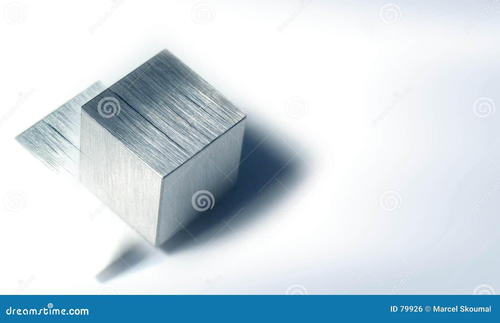 1 metal sześcianu