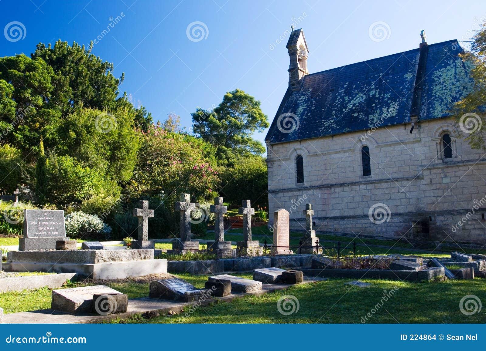 10 τάφοι