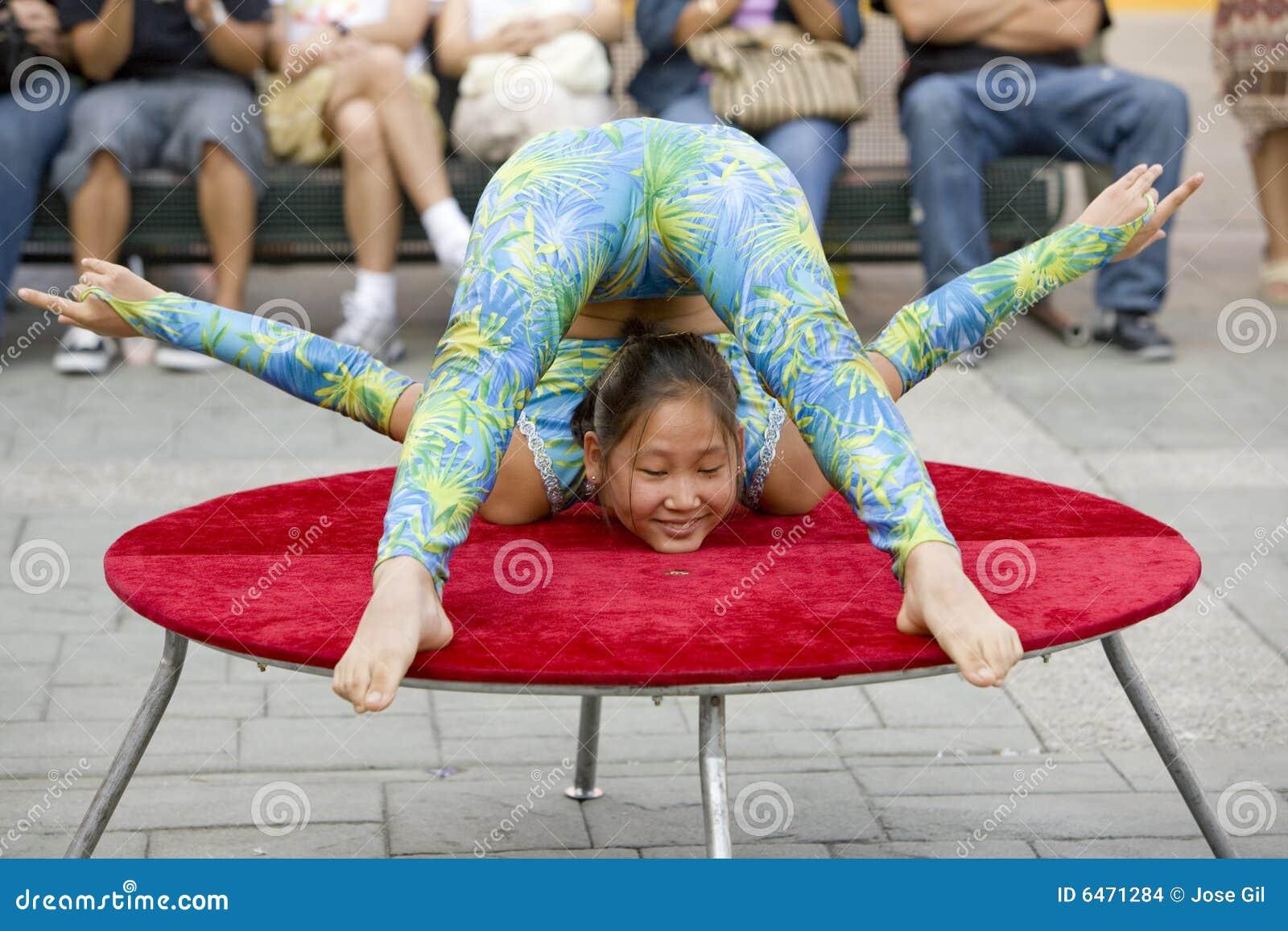 10 akrobata