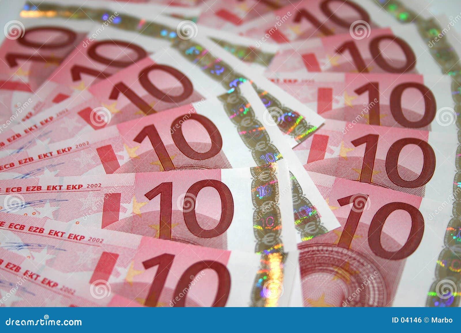 10 banknotów euro