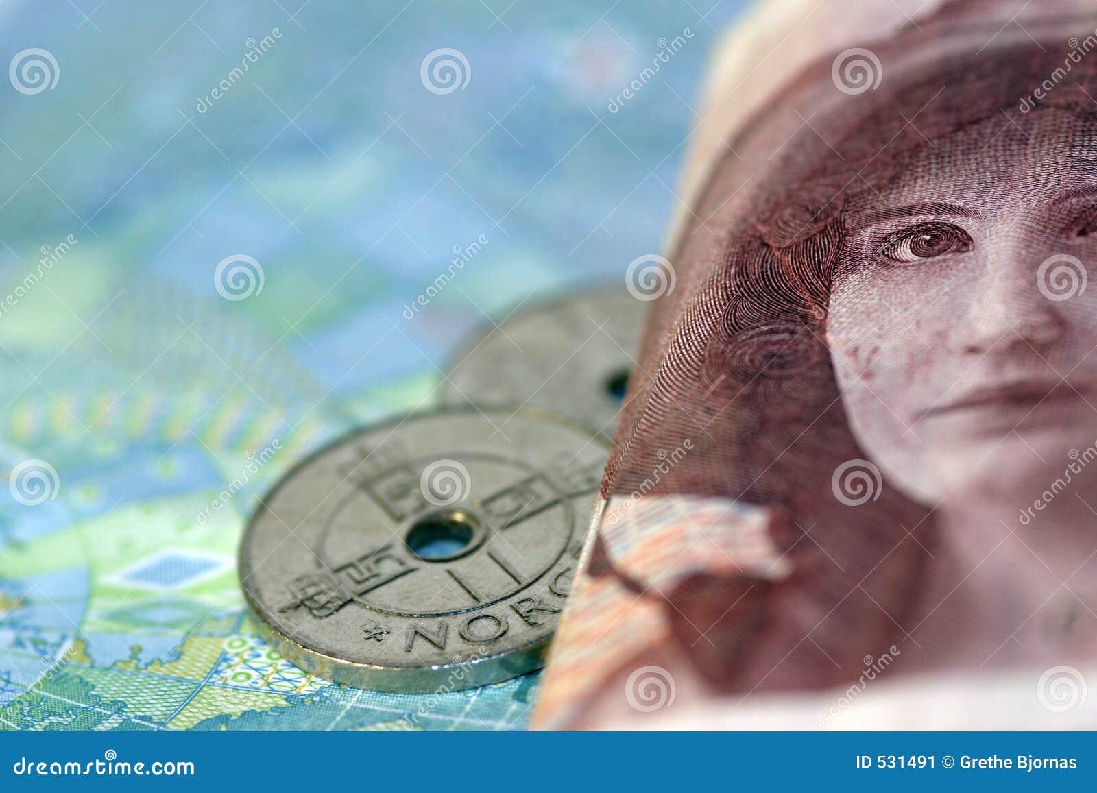Download 100票据克罗钠夫人 库存图片. 图片 包括有 挪威, 财务, 卡米拉, 广告牌, 颜色, 购物, 硬币, 货币 - 531491